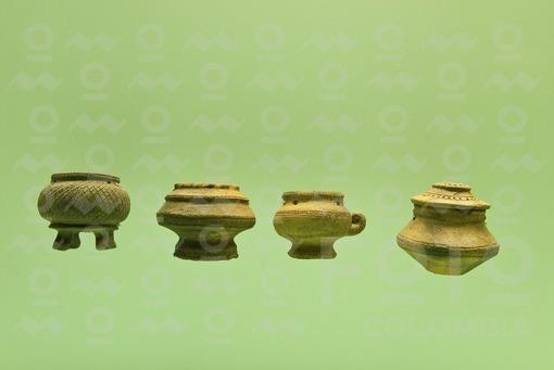 Pieza precolombina de oro, cartagena, Bolivar / precolumbian piece of gold, Cartagena, Bolivar