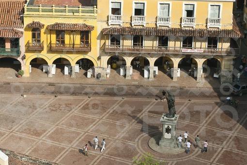 Portal de los Dulces y Monumento a Pedro de Heredia,Cartagena,Bolivar - Sweets Portal and Pedro de H