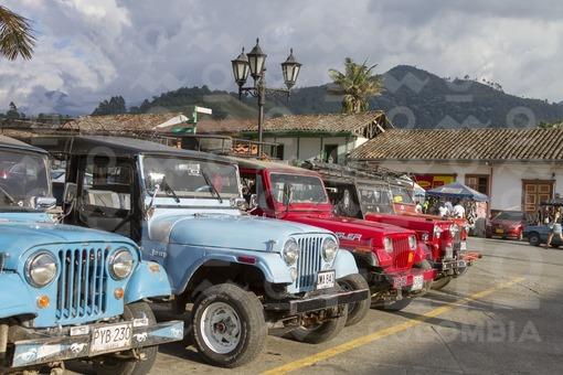 Jeeps Willys,Plaza de Bolivar,Salento,Quindío / Jeeps Willys,Bolivar square,Salento,Quindío