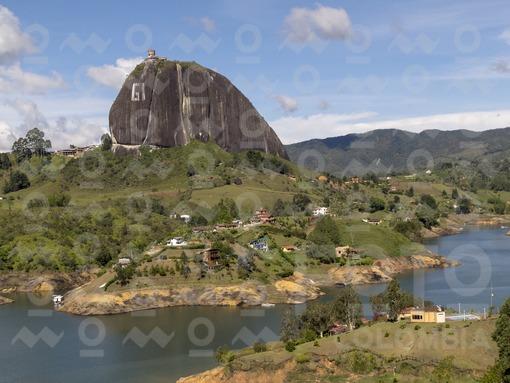 Atardecer,Embalse el Peñol,Guatapé,Antioquia / Sunset Reservoir the Peñol,Guatapé,Antioquia