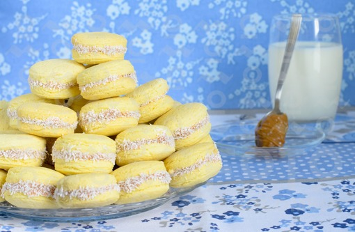 Alfajores con arequipe/ sweet cookies