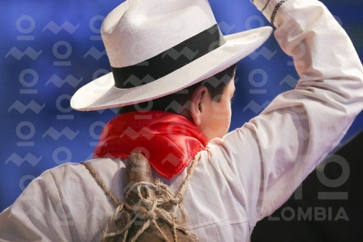 Joven traje típico,Festival Nacional del Moño,Jesús María,Santander / Boy in traditional dress,National Bun Festival,Landscape,Jesús María,Santander