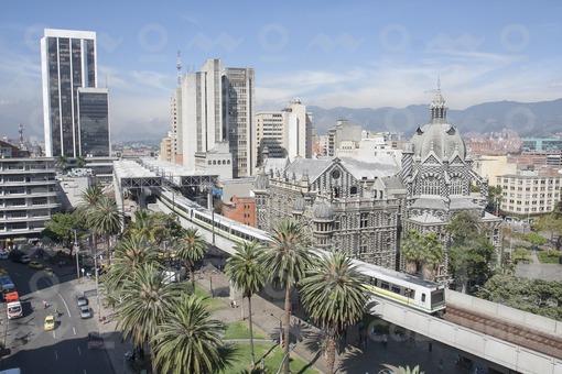 Medellín, Colombia 28 de julio de 2015. Metro de transporte público en la ciudad